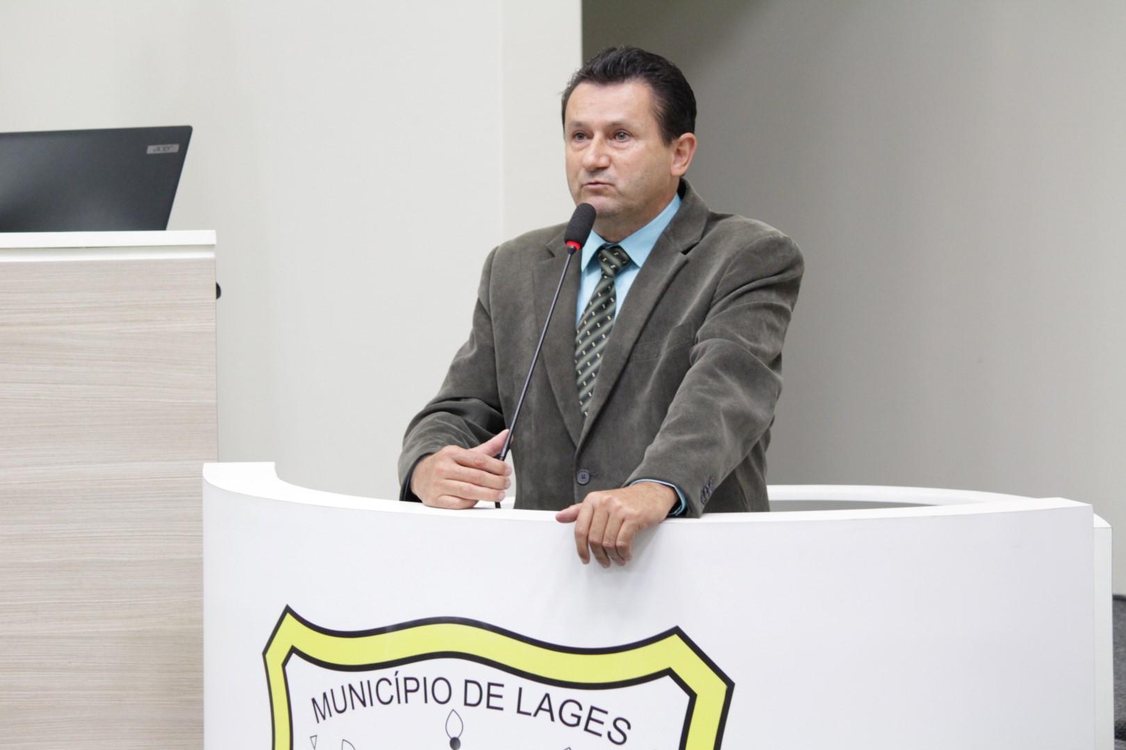 DAVID MORO