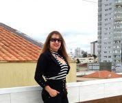 Nilza, estreando como corretora de imóveis contatos  (049) 998342090