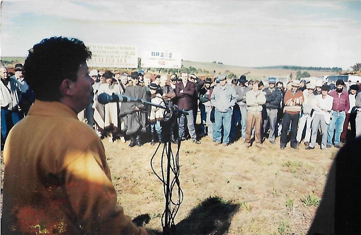 Idelí Salvatti em manifestação pelas obras em Campos Novos - foi responsavel pelo trecho Cerrito à Campos novos