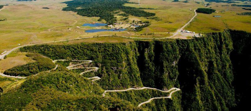 TELEFÉRICO NA SERRA – Pode ser versão aérea da Estrada do Rio do Rastro.