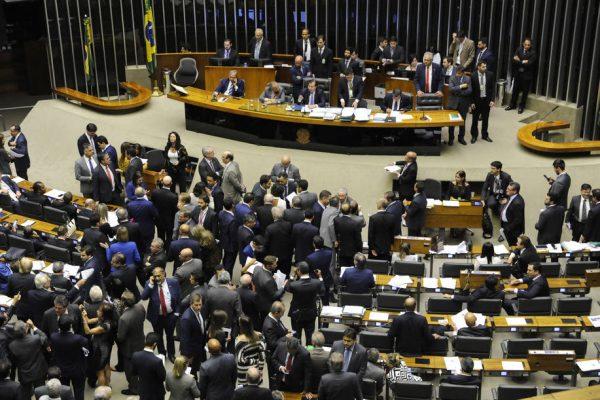 CAM1 - BRASILIA 4/10/2017 - VOTACAO - NACIONAL - Votação do Projeto de Lei 8703/17, do Senado, que cria Fundo Especial de Financiamento de Campanha. FOTO: LUIS MACEDO/CÂMARA DOS DEPUTADOS