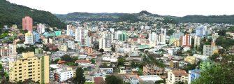 CINCO PEQUENAS CIDADES DE SC ESTÃO ENTRE AS 10 MELHORES – Saiba quais são, com base em dados do IBGE e do IDH. Também saiba quais as 10 melhores do Brasil segundo a ONU.