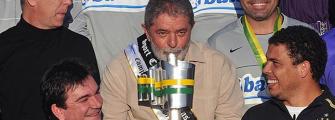 NOTÍCIAS DO FUTEBOL- Corinthiano mais ilustre vê a final com Palmeiras na cadeia.