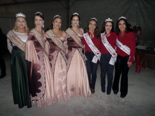 Rainha e princesas da Mostra recebem rainha e princesas da Festa do Churrasco B. Retiro