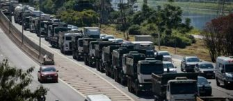 DEPENDÊNCIA DAS ESTRADAS E DOS CAMINHONEIROS – Governo anuncia política sustentável aos profissionais da estrada.
