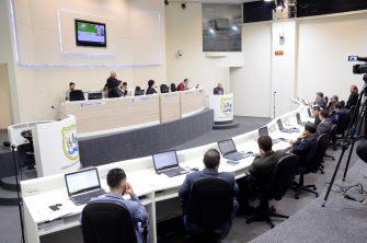CÂMARA DE LAGES DÁ EXEMPLO – Pauta limpa mesmo com a Copa e as festas