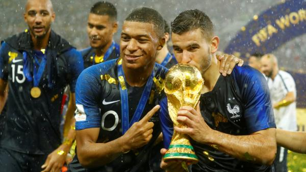 2018-07-15t180235z_1105683554_rc135f3bd900_rtrmadp_3_soccer-worldcup-final_0_0