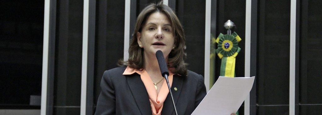 CARMEM É CANDIDATA REPRESENTANTE DA MULHER SERRANA – Coluna Eron J Silva, J. O Momento de 6/09/08