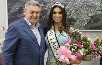 CONHEÇA MAIS UMA CANDIDATA AO MISS SC – Ela é a Miss Lages, Caroline Isabela Costa, forte candidata à mais bela de catarinense.