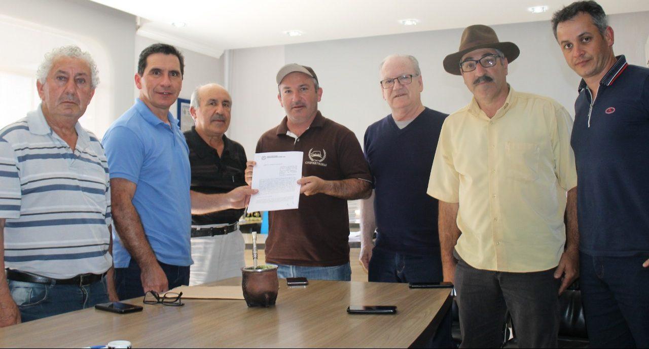 CANCHA DE ARREMATES DE CORREIA PINTO SERÁ CONCLUÍDA – Governo do Estado libera recursos ao Parque da Cidade.
