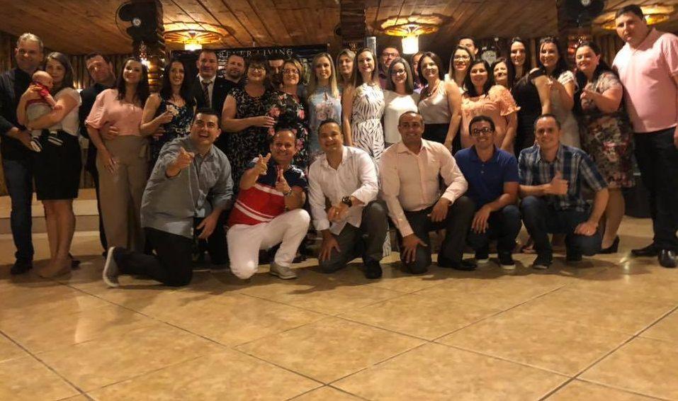 MUITO CHARME E EMOÇÃO NA FESTA DA FOREVER EM SC – Neste sábado o Sistema Forever Águias Brasil de Criciúma comemorou 12 anos.
