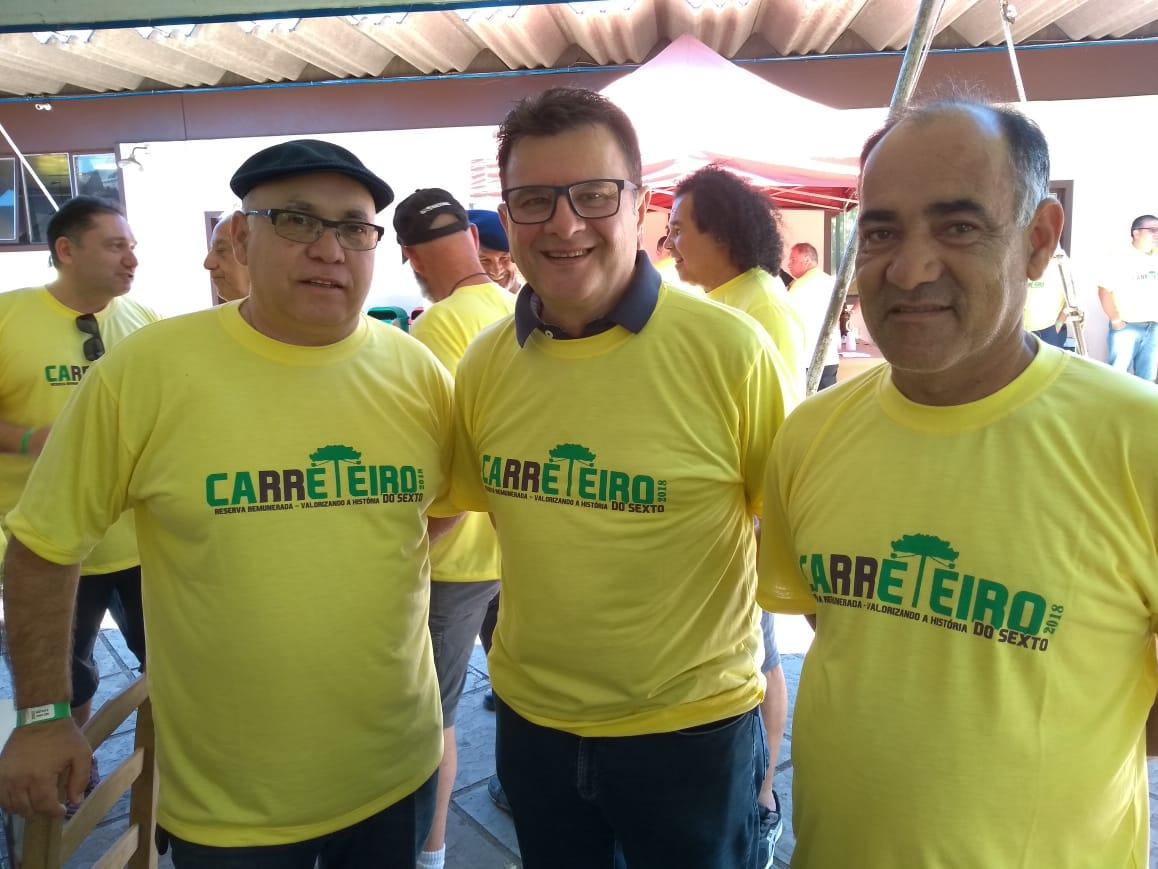 CONFRATERNIZAÇÃO DE PMS CONTINUA REPERCUTINDO – Elizeu Mattos está na região e visitou amigos em Lages.