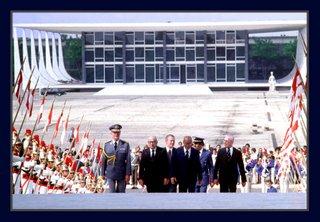 O presidente Jo'ao Figueiredo com os ministros Saraiva Guerreira, Venturini e Golbery. Foto Orlando Brito