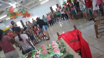 ENTIDADE TRAZ ALEGRIA ÀS CRIANÇAS DO BAIRRO – Mais de 400 crianças e idosos na festa do Tio Hélio.