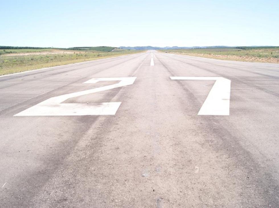 REPORTAGEM DIDÁTICA E ESPETACULAR – A rampa imaginária de aproximação de um aeroporto. No de Correia Pinto/SC é perfeita.