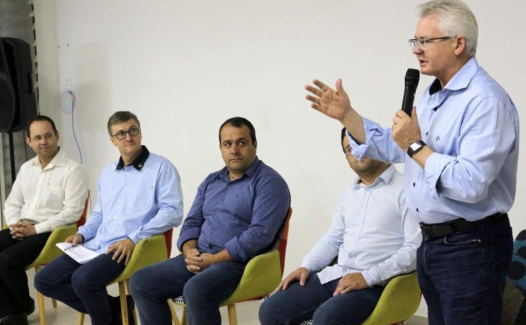 O PROFISSIONAL CERTO NO LUGAR CERTO – Walter Manfrói nomeado Secretário Executivo da Amures.