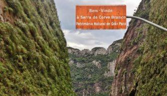 AS BEM HUMORADAS DO PORTAL – Obra mal feita na Serra do Corvo Branco tem desmoronamentos e agora no final esbarra na questão ambiental.