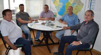 ENTIDADES MUNICIPAIS DEVEM AJUDAR NAS POLÍTICAS DE GOVERNO – Amures, na Serra Catarinense, faz sucesso com seus consórcios.