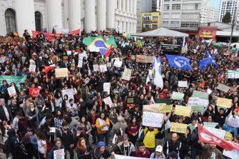PARALISAÇÃO PELA EDUCAÇÃO UNIVERSITÁRIA – Movimento é legítimo, democrático e necessário, desde que seja pacífico.