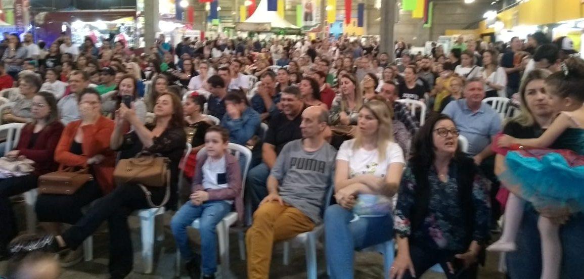 ABERTA 31ª FESTA  DAS ETNIAS DE CRICIÚMA/SC – Nesse evento há uma união das culturas e costumes de diferentes povos.
