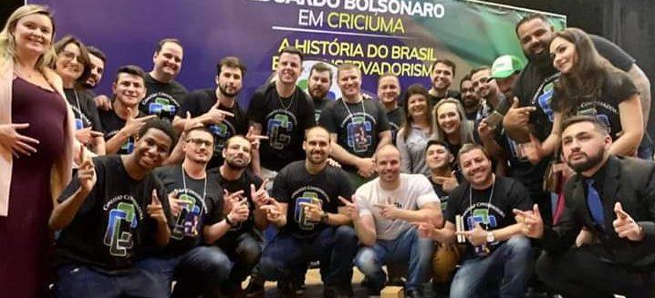 EDUARDO BOLSONARO FAZ PALESTRA EM CRICIÚMA/SC – Foi uma viagem na História, da velha França ao Brasil de Jair Bolsonaro.