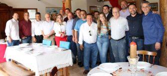PREFEITO DE ANITA É ELEITO PRESIDENTE DA AMURES/SC – Foi hoje à tarde, na Cabanha Rural Esperança, em Bocaina.