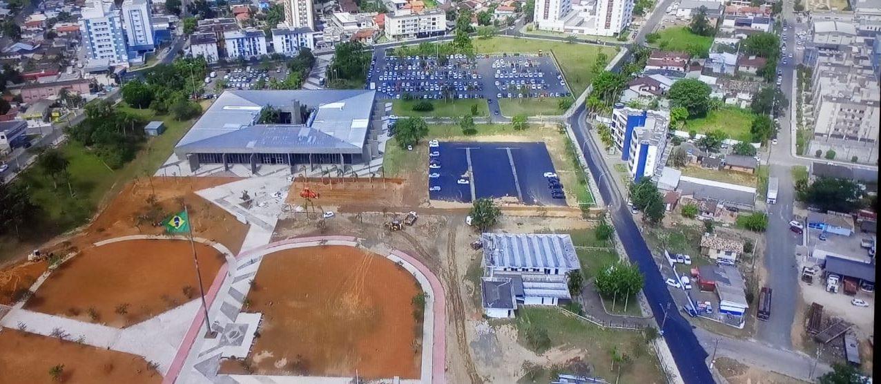 """MAIS PRESENTES NOS 140 ANOS DE CRICIÚMA – Dia 06 de janeiro será """"a Festa!"""""""