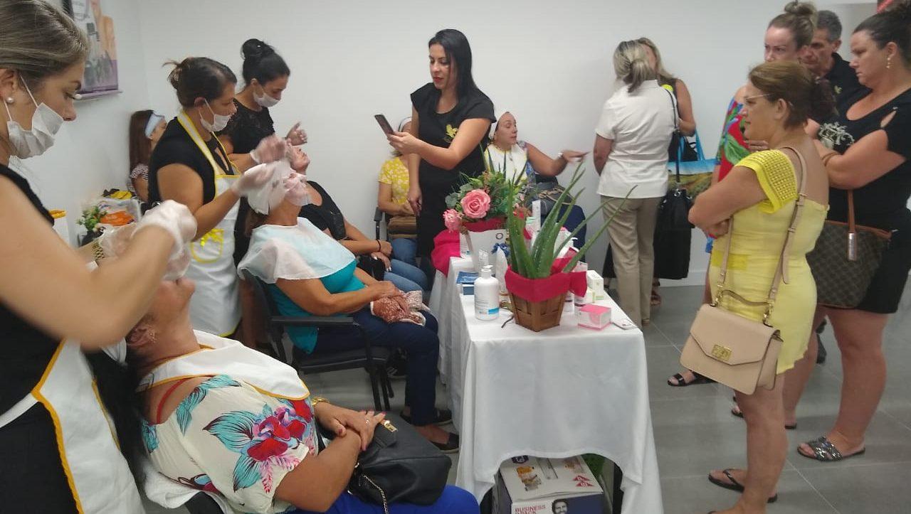 SISTEMA FOREVER ÁGUIAS BRASIL INICIA 2020 BOMBANDO – Ponto alto do Workshop foi tratamento facial.