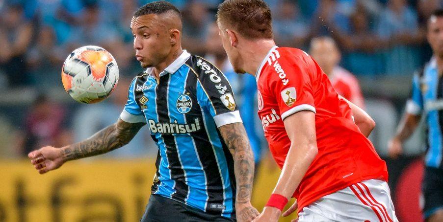 RECORDANDO: BRASILEIROS NA COPA LIBERTADORES. Grenal histórico fica no empate – Final de jogo melancólica: 8 de cada lado em campo.
