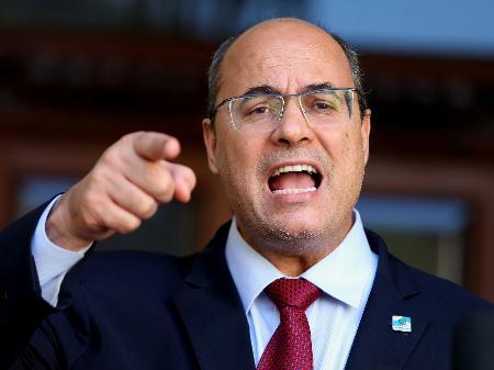 UM DOS FENÔMENOS DE VOTOS DA ÚLTIMA ELEIÇÃO É AFASTADO/180 DIAS – Governador do Rio, Wilson Witzel, também enfrenta processo de impeachment.
